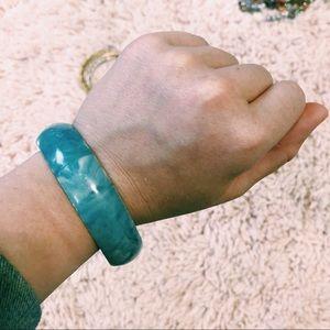Vintage Jewelry - Vintage Light Blue Marbled Bangle